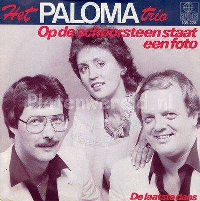 Het Paloma Trio - Op de schoorsteen staat een foto