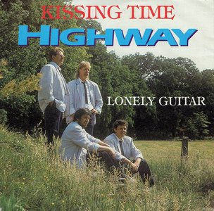 Highway - Kissing time